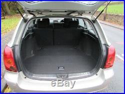 2004 Toyota Avensis T2 2.0 D-4d 115 Bhp Estate+new Shape+12 Months Mot+bargain++