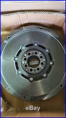 LuK 415061210 DMF Flywheel For TOYOTA RAV4 Avensis Auris Verso 2.0D 2.0 D-4D