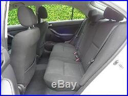 Toyota Avensis 2003 2.0 D-4D T3-S3 KEYS + 1 PRE OWNER