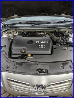 Toyota avensis 2.2D 4D T-spirit full leather